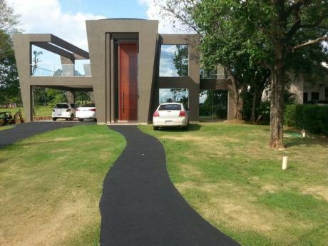 Hermosa Casa A La Venta Sobre El Campo De Golf!
