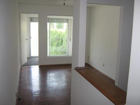Alquiler De Apartamento De 1 Dormitorio En Centro. Canelones.