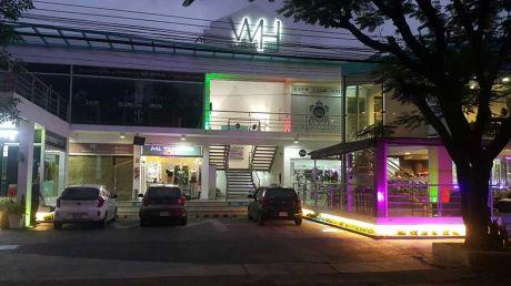 Locales En Villa Morra! Imperdible! Frente Del Centro Ferial Del   Shopping Mari