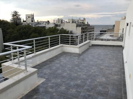 Penthouse 3 Dorm. A Pasos Del Mar, Rambla Pocitos. Posibilidad De Garage