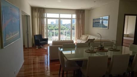 En Villa Morra Penthouse Amoblado De 4 Dormitorios En Suite En Alquiler!!!