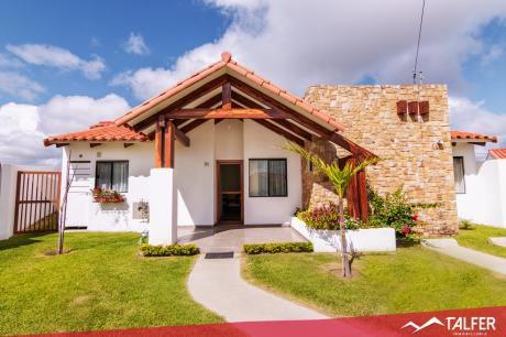 Hermosa Casa En Alquiler Con Muebles/electrodomésticos Incluidos