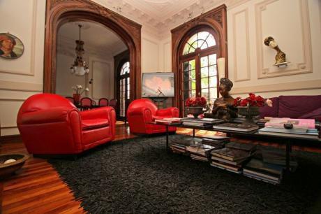 Espaciosa Casa En Alquiler En Pocitos: 4 Dormitorios + Escritorio, 2 Garage
