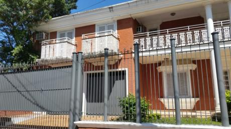 Alquilo Amplia Casa En Barrio Residencial Para Vivienda U Oficina!!