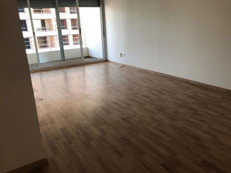 Apartamento En La Blanqueada De 2 Dormitorios C/garaje!
