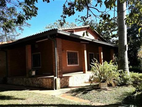 Se Alquila Casa De 3 Dormitorios [san Bernardino, Dpto De Cordillera]