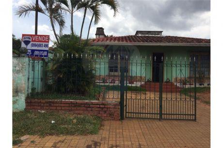 Amplia Casa De 3 Dormitorios, A Pocas Cuadras De Gral Aquino