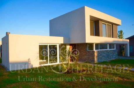 Gated Community Modern 2 Story House 4 Bdrms