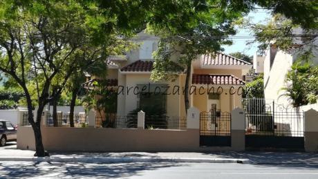 Alquilo Oficina Sobre Mcal. Lopez Zona Colegio Internacional.