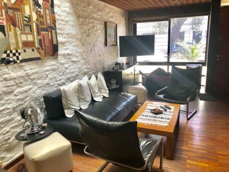 Venta De Casa Triplex. 2 Dormitorios 2 Baños, Y Parrillero!
