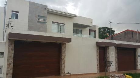Hermosa  Casa En Venta   Zona Sur
