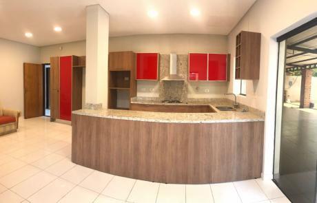 Alquilo Casa Con Piscina - Fernando De La Mora Zona Norte