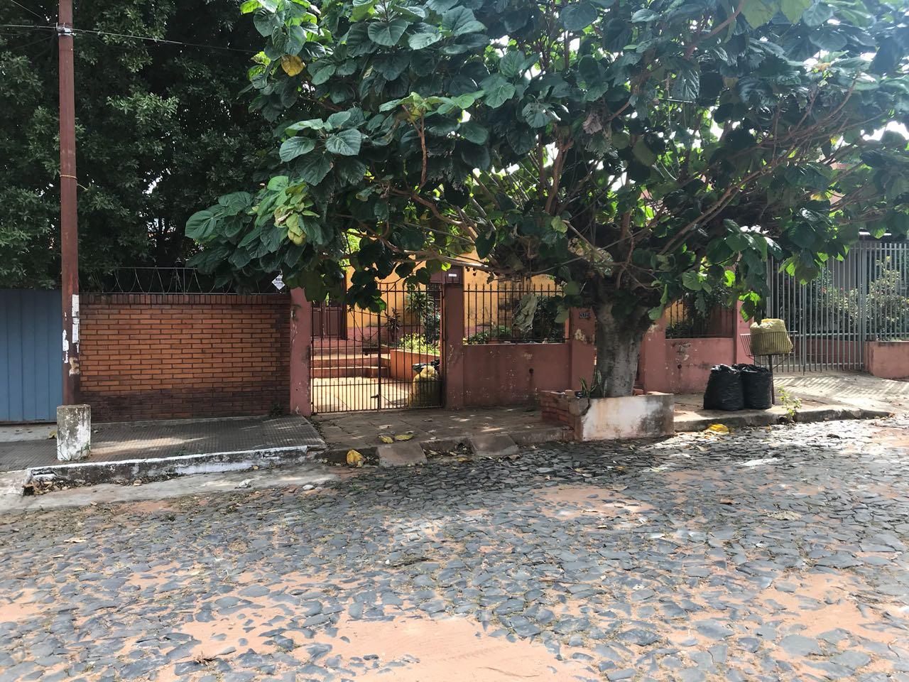 Terreno Con Edificación En Barrio Vista Alegre