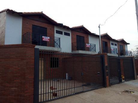 Duplex A Estrenar  A Pasos De Mcal Lopez Y Santa Teresa