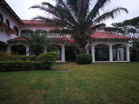 Lujosa Casa En Alquiler En Colinas Del Urubo S2