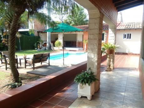 Casa Amplia En San Lorenzo