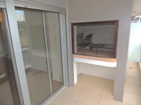 3 Dormitorios En Malvín, A Pasos De La Rambla.-