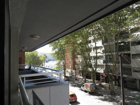 Impecable Apto De 2 Dormitorios A Mts De La Rambla!!!