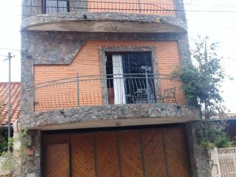Casa De 3 Pisos Zona La Barca Cod B61