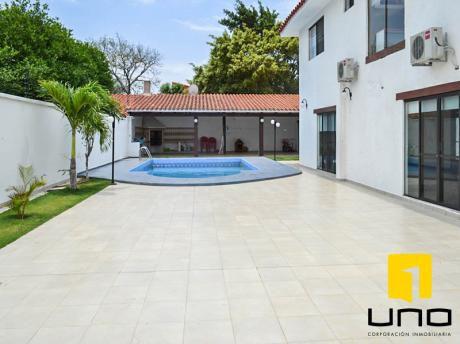 Linda Casa Con Piscina Zona Norte