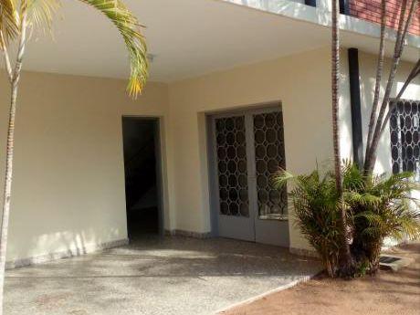 Amplia Casa Para Oficinas En El Centro A Pasos De La Avenida Perú