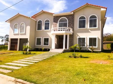 Casa De Lujo En Urubo Golf