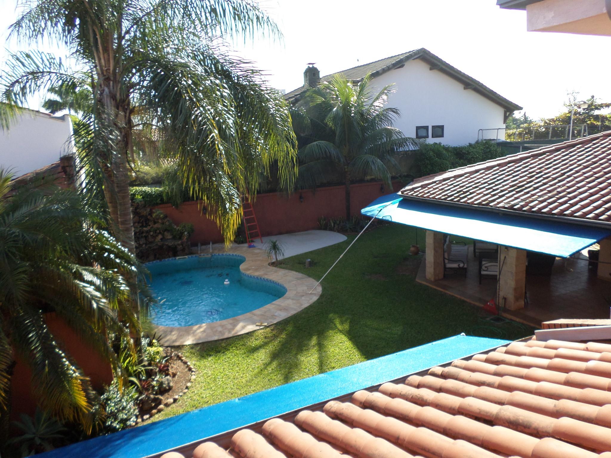 Residencia De 4 Dormitorios Con Piscina Zona Santa Teresa