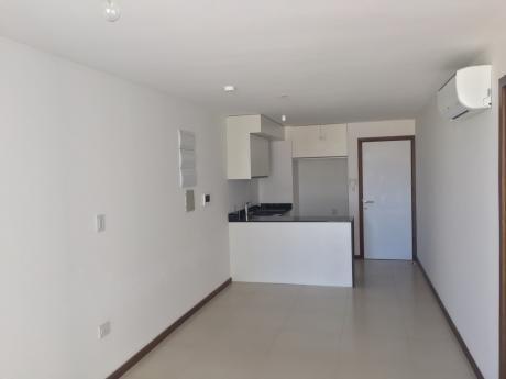 1 Dormitorio Con Patio Y Parrillero