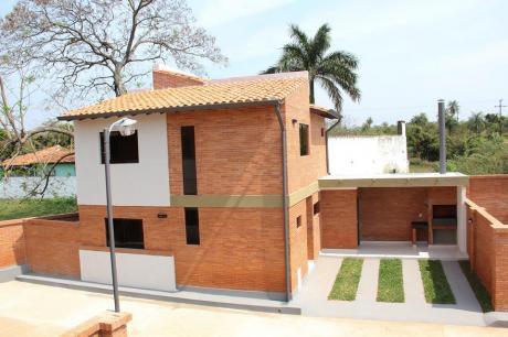 Dúplex De 3 Dormitorios En Condominio Luque - Zona Rakiura