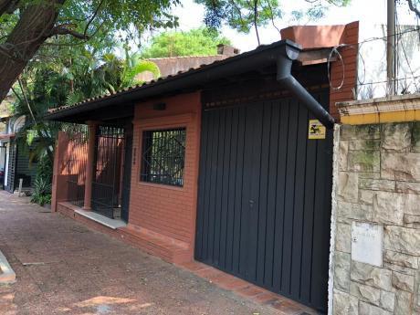 Alquilo Casa Para Oficina. Villa Morra.