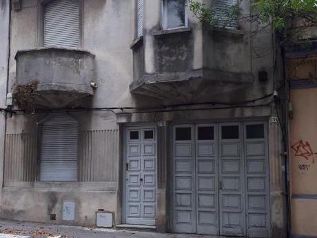 J. Nuñez Y L. D L Torre. Hermosa Casa A Reciclar + Local