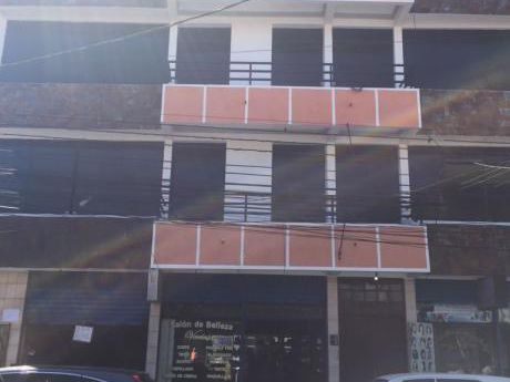 Edificio En Zona Comercial