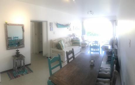 Lindo Apartamento Ubicado En Paradas De Playa Mansa.