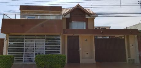 Casa De 2 Pisos Con Tienda A La Calle Info 71026885