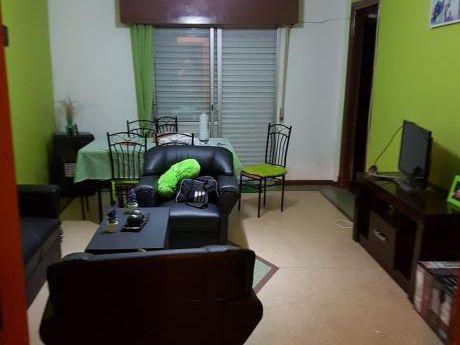 Apartamento 2dorm, Patio Y Parrillero.