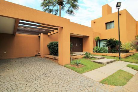 Alquiler Casa De 3 Dorm. Condominio La Hacienda 2