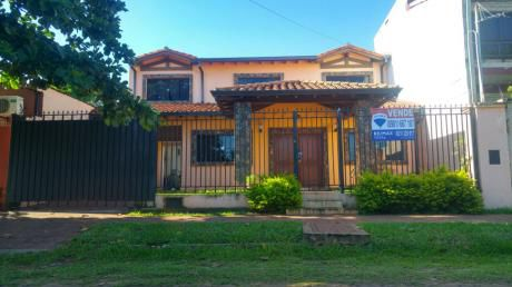 Hermosa Casa En Lambaré, Zona Paseo Cerro Alto.