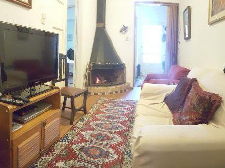 Linda Casa De 2 Dorm, Patio Y Parrillero, Muy Bien Ubicada