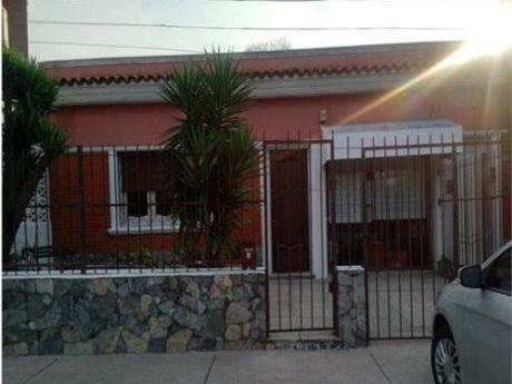 Casa En Bulevar Artigas Y Garibaldi