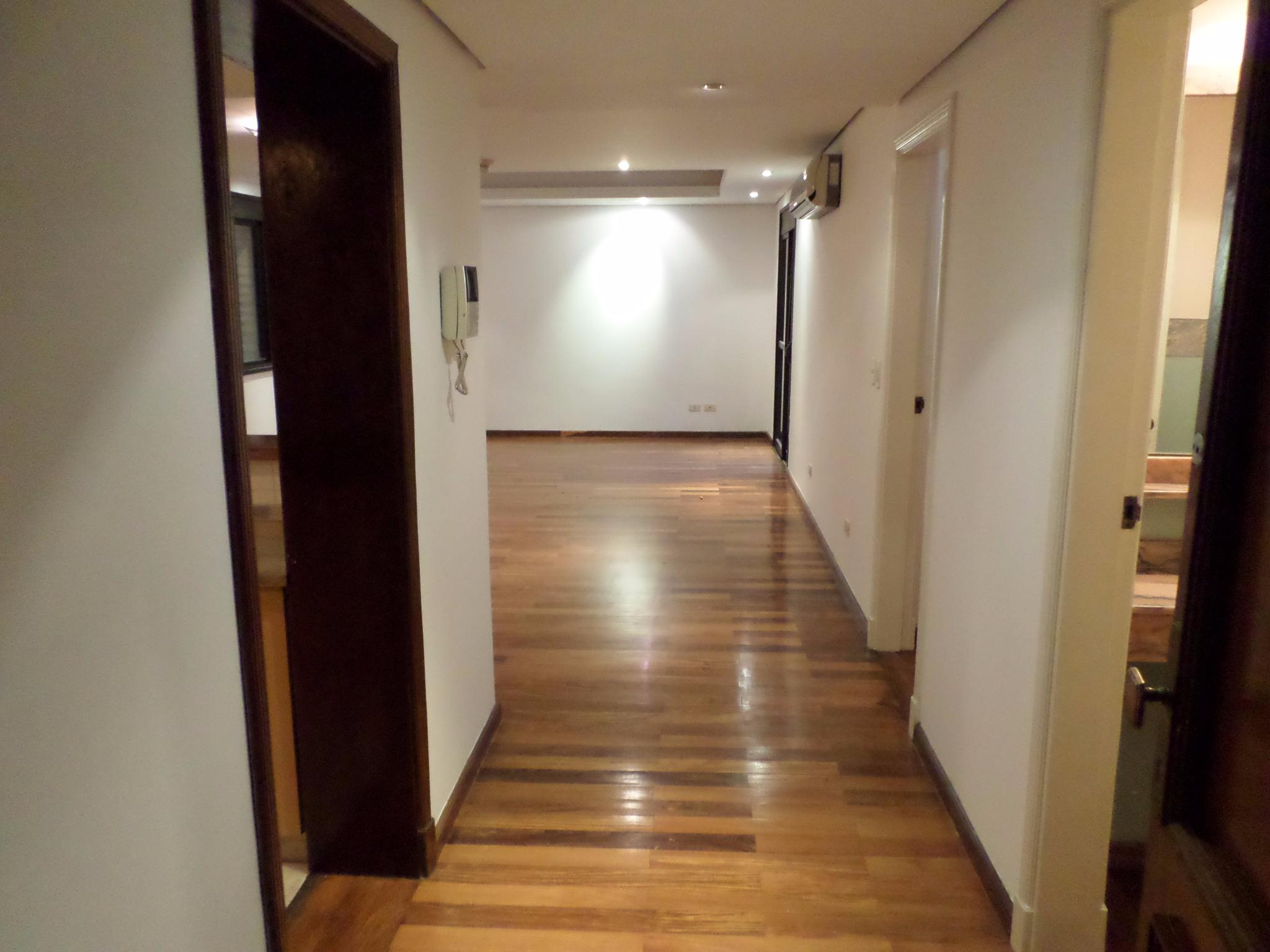 Alquilo Departamento De 2 Dormitorios Con Área De Servicio En Villa Aurelia