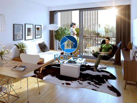 2 Dormitorio Con Terraza A Cuadras De La Rbla. Estrene Abr 2018