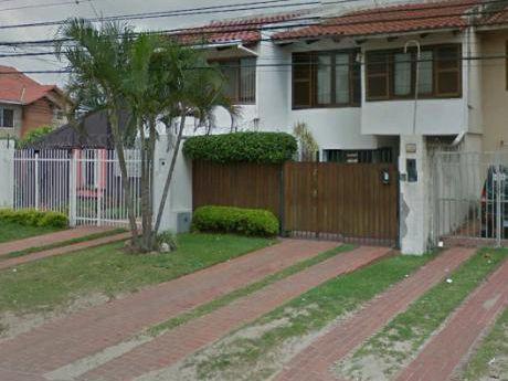 Casa En Venta Con Excelente Ubicacion En Equipetrol