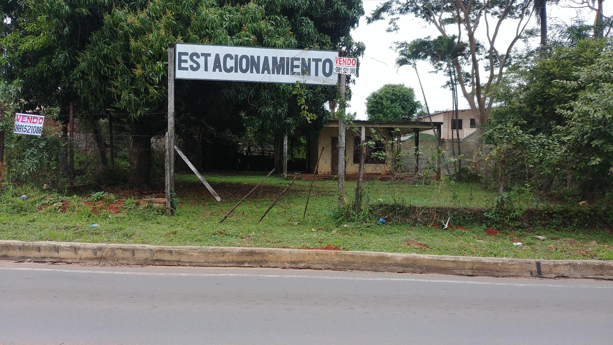 A 50 Mts. De Palacio De Justicia De San Lorenzo - 2 Terrenos De Calle A Calle