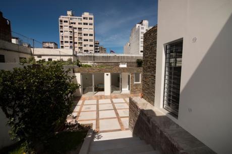 Luis Lamas Y P. De La Luz (casa 4 Dorm 3 BaÑos Barbacoa En Pocitos)
