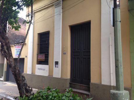 Alquilo Inmueble En Microcentro De Asunción Para Oficina/negocio (con Cochera)