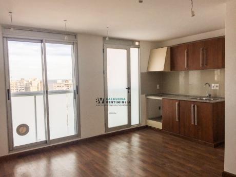 Apartamento De 2 Dormitorios 2 Baños Garaje - Pocitos Nuevo