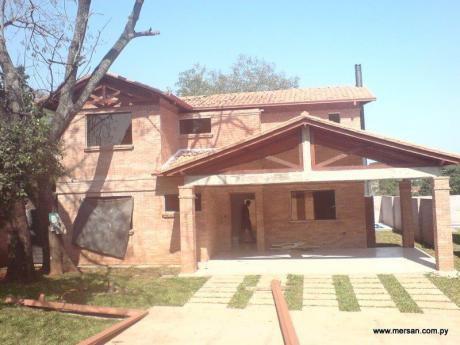 Casa En Condominio Cerrado Barrio Mbocayaty (351)