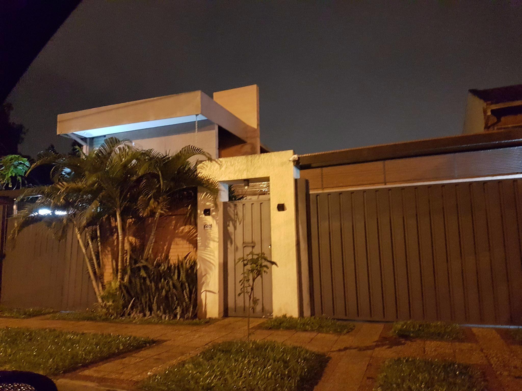 VENDO V-032 Casa/Oficina - Barrio Mburucuyá