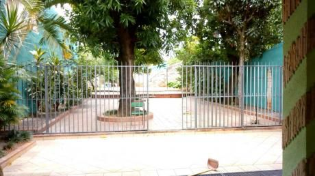 Alquilo Casa En Barrio Nazareth De Asunción