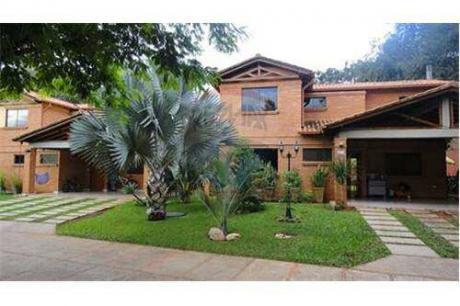Hermosa Casa En Barrio Cerrado Boulevard- Loma Alta, Zona Pinedo Shopping